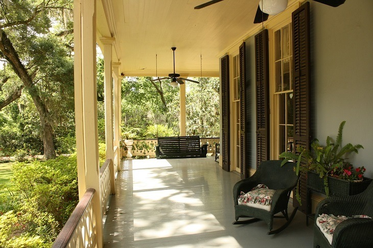 Open or Screened-in Porch